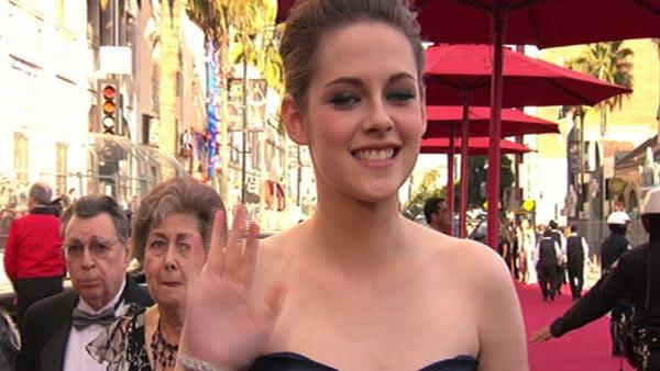 Kristen Stewart was adorably shy as she walked the red carpet at the 2010 Academy Awards on March 7, 2010. - Provided courtesy of OTRC