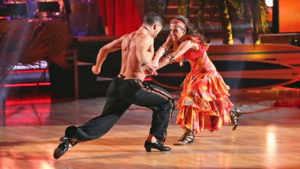 'General Hospital' actress Kelly Monaco and her partner Valentin Chmerkovskiy received 25.5 out of 30 points from the judges for their 'Surfer' Flamenco on 'Dancing With The Stars: All-Stars' on Monday, Nov. 19, 2012.