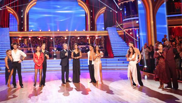 Shawn Johnson, Tony Dovolani, Melissa Rycroft, Derek Hough, Tom Bergeron, Brooke Burke Charvet, Apolo Anton Ohno, Karina Smirnoff, Valentin Chmerkovskiy, Kelly Monaco, Cheryl Burke and Emmitt Smith on 'Dancing With The Stars: All-Stars' on Nov. 19, 2012.