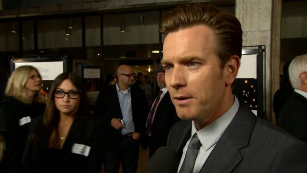 Ewan McGregor talks to OTRC.com at the premiere of The Impossible in Los Angeles on Dec. 10, 2012.