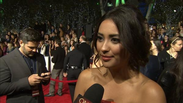 Shay Mitchell talks fans, 'PLL' at People's Choice