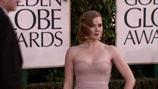 Amy Adams dazzles on the 2013 Golden Globes red carpet