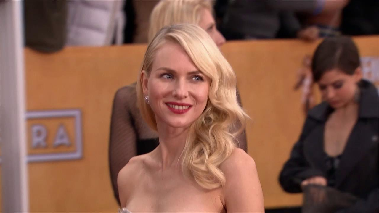Naomi Watts poses on the red carpet at the 2013 SAG Awards in Los Angeles on Jan. 27, 2012.
