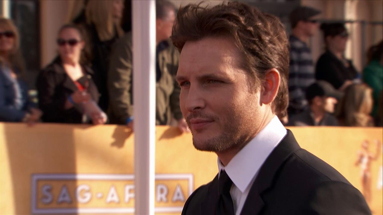 Peter Facinelli poses on the red carpet at the 2013 SAG Awards in Los Angeles on Jan. 27, 2012.