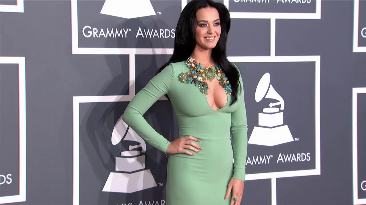 Katy Perry shows off cleavage in mint Gucci gown at the 2013 Grammys on Feb. 10, 2013.