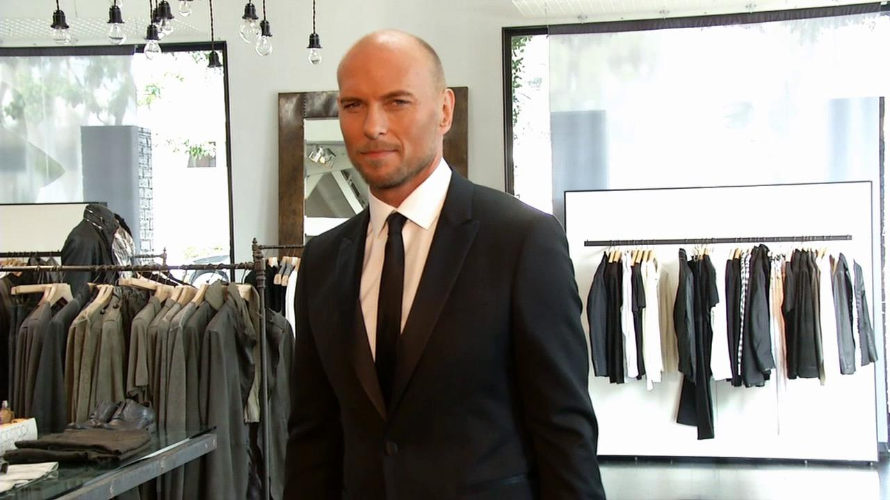 John Varvatos talks to OTRC.com about red carpet and style tips for men, ahead of the 2013 Oscars, which take place on Feb. 24, 2013.