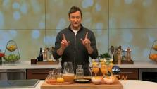 Clinton Kelly of ABCs The Chew shows you how to make a delicious Oscar Buzz cocktail.