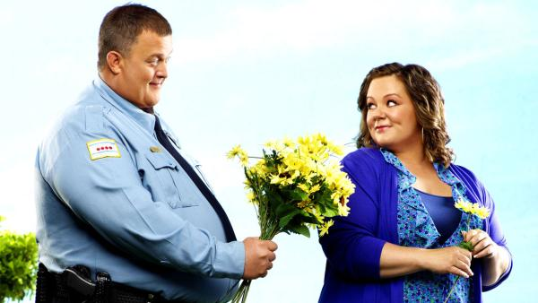 Melissa McCarthy and Billy Gardell appear in a promotional photo for Mike and Molly. - Provided courtesy of CBS