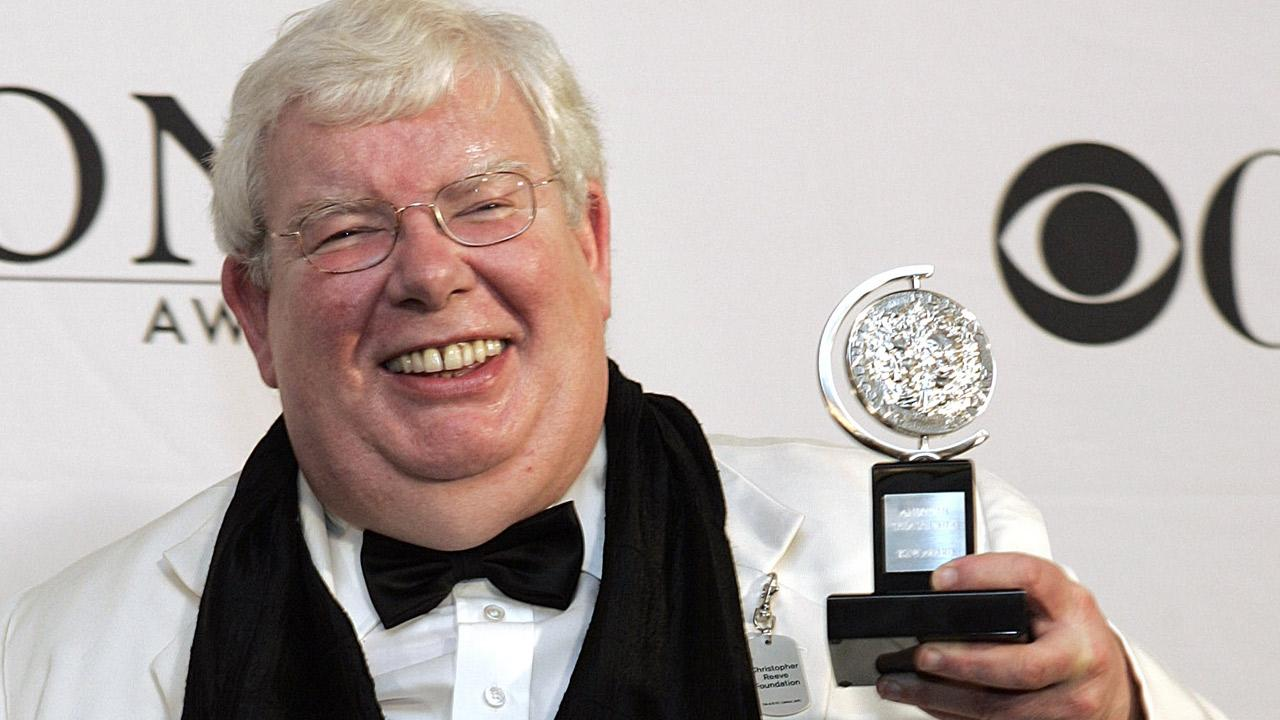 Griffiths poses for a picture with his Tony for Best Performance by a Leading Actor in Play at the 60th Annual Tony Awards in this Sunday, June 11, 2006 in New York. <span class=meta>(Richard Drew)</span>