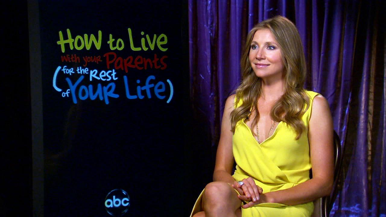 Sarah Chalke talks to OTRC.com about How to Live with your Parents in Aug. 2012.