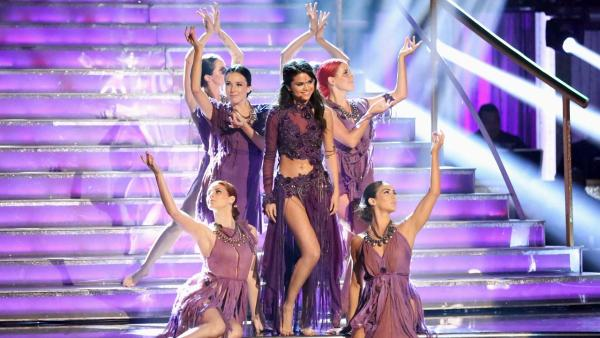 Selena Gomez performs on Dancing With The Stars: The Results Show on April 16, 2013. - Provided courtesy of ABC