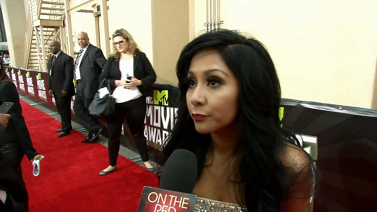 Snooki talks to OTRC.com on the red carpet at the MTV Movie Awards on April 14, 2013.