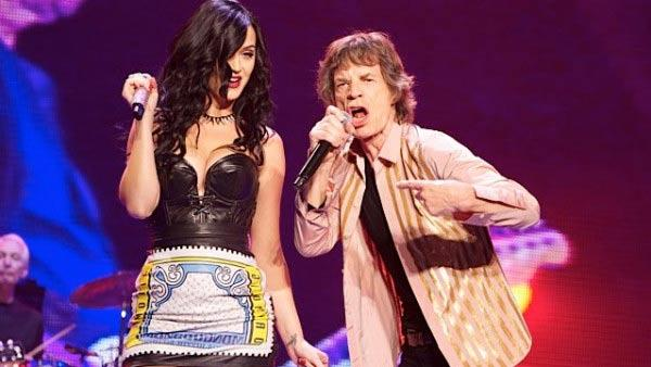 Katy Perry and Mick Jagger sing a duet of Beast of Burden at a Rolling Stones concert in Las Vegas on May 11, 2013. - Provided courtesy of Katy Perry - twitpic.com/cq71i6