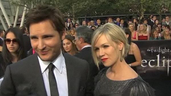 Peter Facinelli and Jennie Garth talk to OnTheRedCarpet.com at the premiere of 'The Twilight Saga: Eclipse' on June 24, 2010.