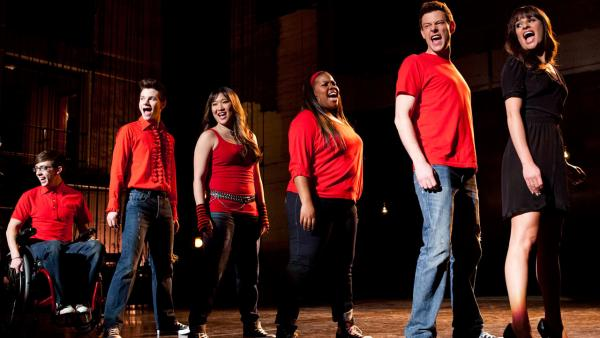 Lea Michele, Kevin McHale, Chris Colfer, Jenna Ushkowitz, Amber Riley and Cory Monteith appear in the Glee episode Sweet Dreams, which aired on April 18, 2013. - Provided courtesy of Adam Rose/FOX