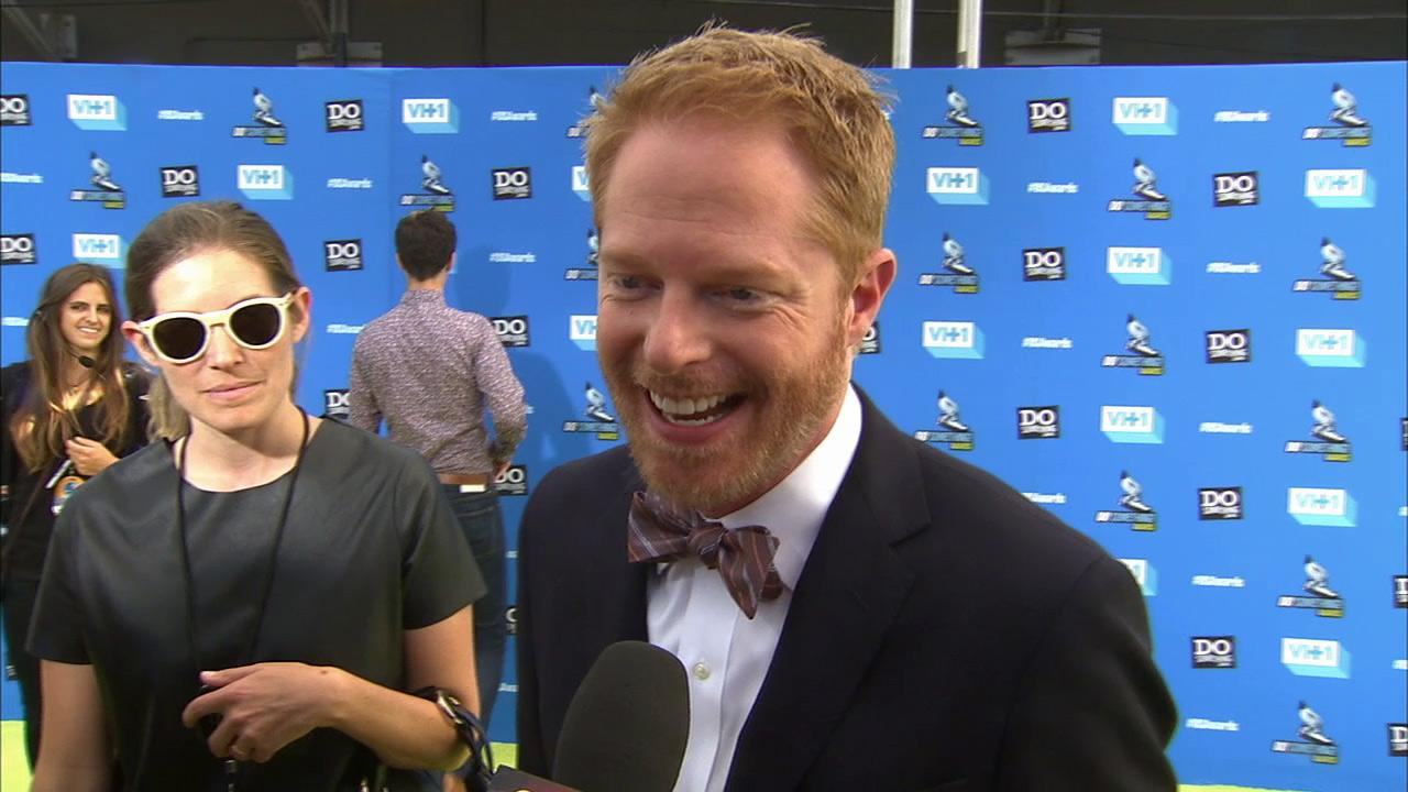 Jesse Tyler Ferguson talks to OTRC.com at the 2013 VH1 Do Something Awards in Hollywood, California on July 31, 2013.