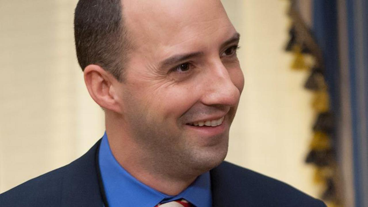 Tony Hale appears in a scene from season 2 of the HBO series Veep.