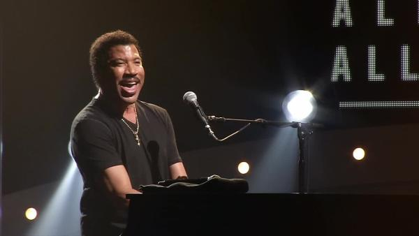 Lionel Richie talks to OTRC.com in September 2013 about his new tour.
