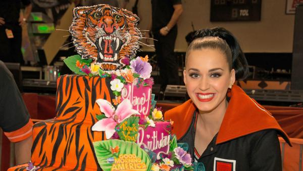 Katy Perry celebrated her 29th birthday on Good Morning America on Friday, Oct. 25 with a private concert for Lakewood High School in Lakewood, Colorado. - Provided courtesy of ABC/Paul Trantow