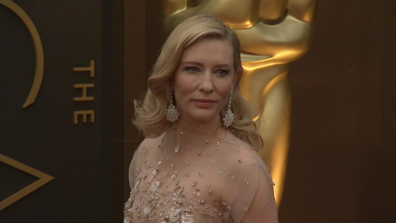 Cate Blanchett walks the red carpet at the 2014 Oscars in Hollywood, California on Sunday, March 2, 2014.