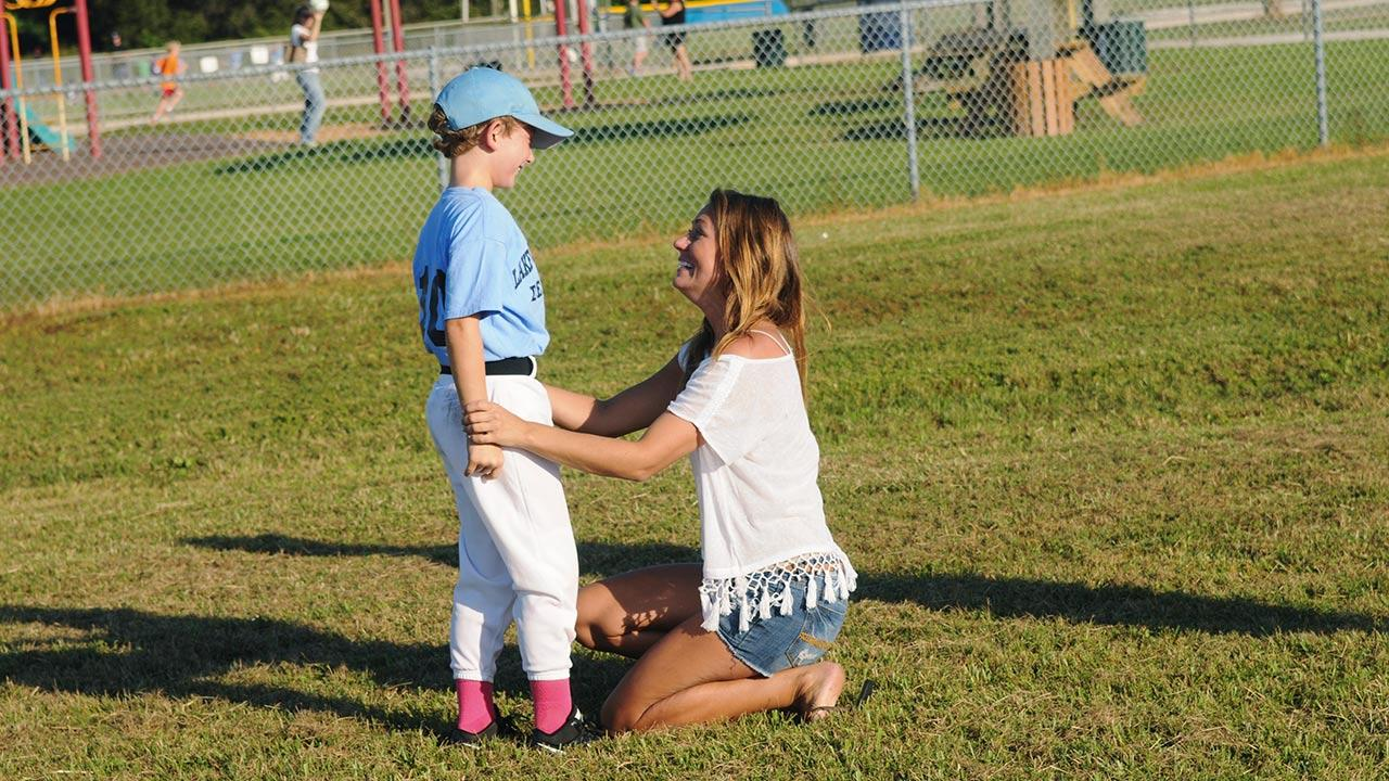 Renee Oteri appears with her son, Ben, on an episode of ABCs The Bachelor that aired on Feb. 24, 2014.