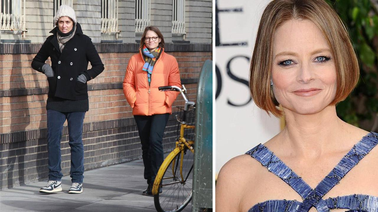 Jodie Foster walks with partner Alexandra Hedison in NY on Jan. 19, 2014. A spokesperson for the actress told OTRC.com on April 23, 2014 that Foster wed Hedison days earlier. / Jodie Foster appears at the Golden Globes on Jan. 13, 2013. <span class=meta>(Adam Nemser &#47; Sara De Boer &#47; Startraksphoto.com)</span>