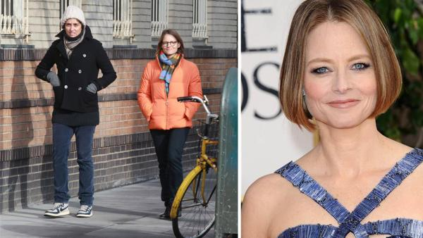 Jodie Foster walks with partner Alexandra Hedison in NY on Jan. 19, 2014. A spokesperson for the actress told OTRC.com on April 23, 2014 that Foster wed Hedison days earlier. / Jodie Foster appears at the Golden Globes on Jan. 13, 2013.
