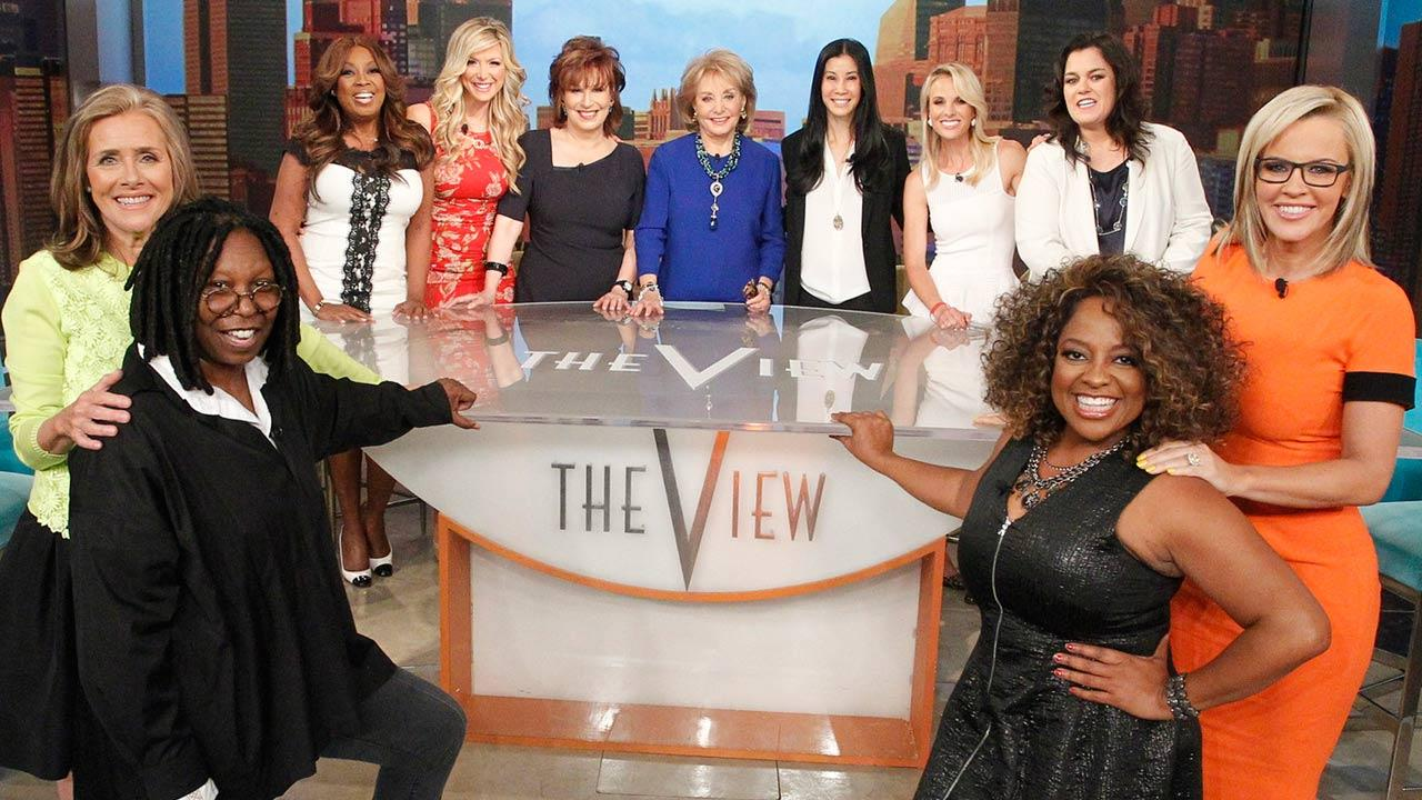 L-R: Meredith Vieira, Whoopi Goldberg, Sherri Shepherd, Jenny McCarthy. BACK ROW, L-R: Star Jones, Debbie Matenopoulos, Joy Behar, Barbara Walters, Lisa Ling, Elisabeth Hasselbeck, Rosie ODonnell appear on The View on May 15, 2014.