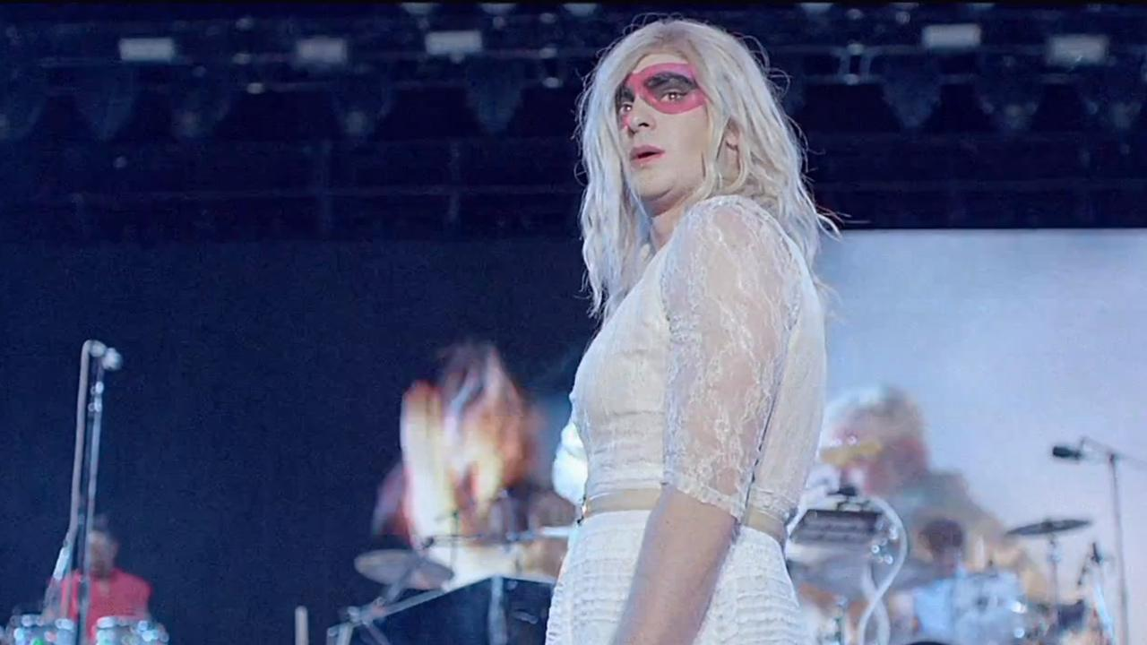Spider-Mans Andrew Garfield dresses in drag in the Arcade Fire music video We Exist, which was released on May 16, 2014.