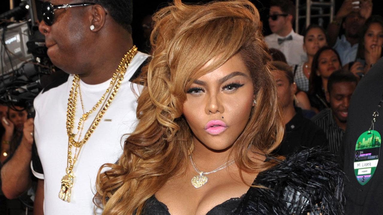 This Aug. 25, 2013 file photo shows Lil Kim at the MTV Video Music Awards in the Brooklyn borough of New York.