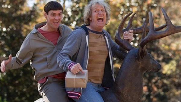 Jim Carrey and Jeff Daniels appear in a scene from Dumb and Dumber To. - Provided courtesy of Universal Pictures