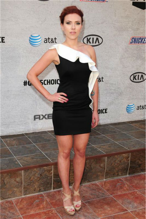 Scarlett Johansson attends the  2011 Spike TV Guy&#39;s Choice Awards in Culver City, California on June 4, 2011. <span class=meta>(Michael Williams &#47; Startraksphoto.com)</span>