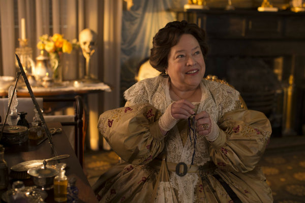 "<div class=""meta ""><span class=""caption-text "">Kathy Bates (Madame LaLaurie) appears on the premiere of 'American Horror Story: Coven,' which airs on FX on Oct. 9, 2013 at 10 p.m. ET. (Michele K. Short / FX)</span></div>"