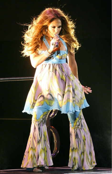 Jennifer Lopez performs at the Staples Center in Los Angeles on Friday, Oct. 19, 2007. <span class=meta>(AP Photo &#47; Matt Sayles)</span>