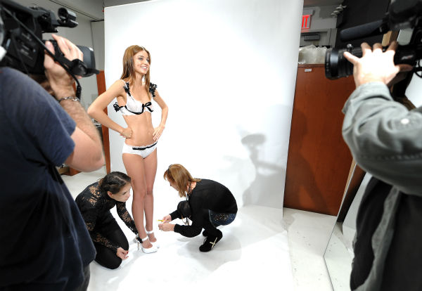 Model Miranda Kerr participates in a Victoria&#39;s Secret fitting on Tuesday, Nov. 4, 2008 in New York. Kerr is preparing for the upcoming Victoria&#39;s Secret Fashion Show in Miami Beach. <span class=meta>(AP Photo &#47; Evan Agostini)</span>