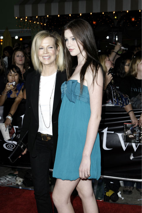 Kim Basinger, left, and her daughter, Ireland Baldwin, attend the premiere of &#39;Twilight&#39; in Los Angeles on Nov. 17, 2008. <span class=meta>(AP Photo &#47; Matt Sayles)</span>