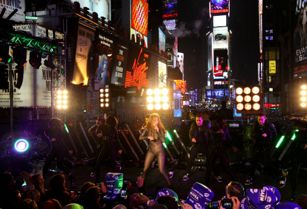 Jennifer Lopez performs on the Nivea Countdown Stage on Times Square in New York on Thursday, Dec. 31, 2009. <span class=meta>(AP Photo &#47; Craig Ruttle)</span>
