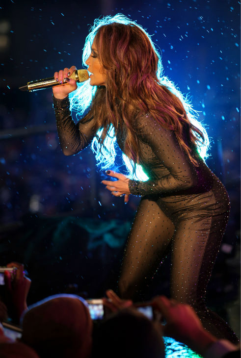 "<div class=""meta ""><span class=""caption-text "">Jennifer Lopez performs on the Nivea Countdown Stage on Times Square in New York on Thursday, Dec. 31, 2009. (AP Photo / Craig Ruttle)</span></div>"