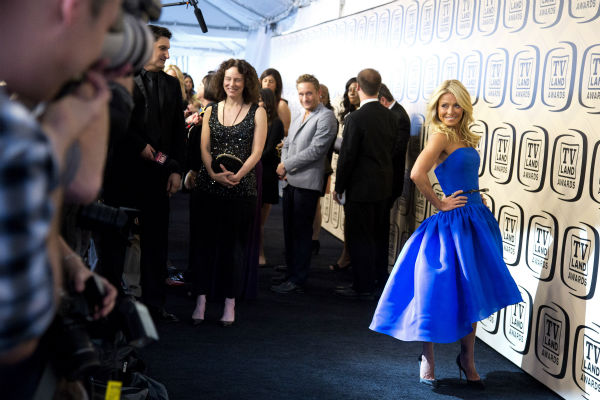 "<div class=""meta image-caption""><div class=""origin-logo origin-image ""><span></span></div><span class=""caption-text"">Kelly Ripa arrives to the TV Land Awards 10th Anniversary in New York on April 14, 2012. (AP Photo / Charles Sykes)</span></div>"