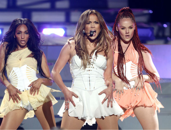 Jennifer Lopez, center, performs at the 'American Idol' finale at the Nokia Theatre at L.A. Live in Los Angeles on Thursday, May 16, 2013.