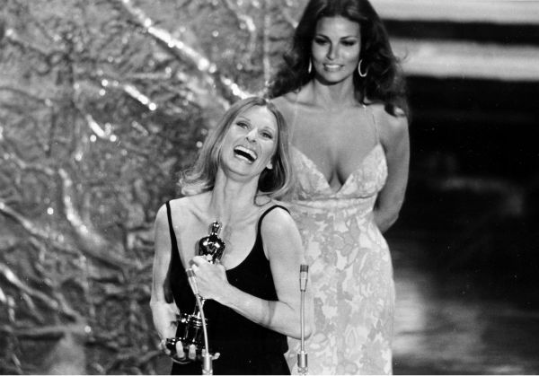 Cloris Leachman accepts her Oscar at the 44th annual Academy Awards ceremony at the Music Center in Los Angeles, California on April 10, 1972. Leachman won for best supporting actress for her role in &#39;The Last Picture Show.&#39; In the background is presenter and actress Raquel Welch.  <span class=meta>(AP Photo)</span>