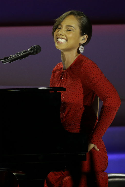 "<div class=""meta ""><span class=""caption-text "">Alica Keys performs during the Inaugural Ball in the Washington Convention Center at the 57th Presidential Inauguration in Washington on Jan. 21, 2013. (AP Photo / Paul Sancya)</span></div>"