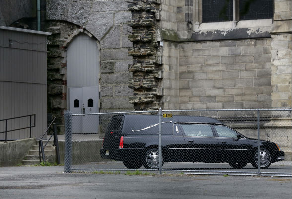 "<div class=""meta image-caption""><div class=""origin-logo origin-image ""><span></span></div><span class=""caption-text"">A hearse arrives at Cathedral Church of Saint John the Divine before the funeral service of James Gandolfini in New York on June 27, 2013. Gandolfini, who played Tony Soprano in the HBO show 'The Sopranos,' died at age 51 while vacationing in Italy. (AP Photo / Richard Drew)</span></div>"