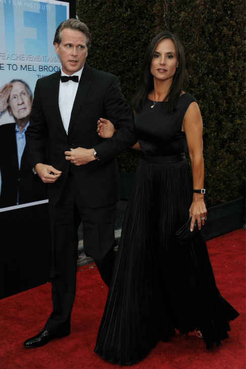 "<div class=""meta image-caption""><div class=""origin-logo origin-image ""><span></span></div><span class=""caption-text"">Cary Elwes, at left, and his wife, Lisa Marie Kubikoff, walk the red carpet at the American Film Institute's 41st Lifetime Achievement Gala, honoring Mel Brooks, at the Dolby Theatre in Los Angeles on Thursday, June 6, 2013. Elwes played Robin Hood in Brooks' 1993 comedy film 'Robin Hood: Men In Tights.' The actor is best known for his role as Westley in the 1987 movie 'The Princess Bride.' (Katy Winn / Invision / AP)</span></div>"