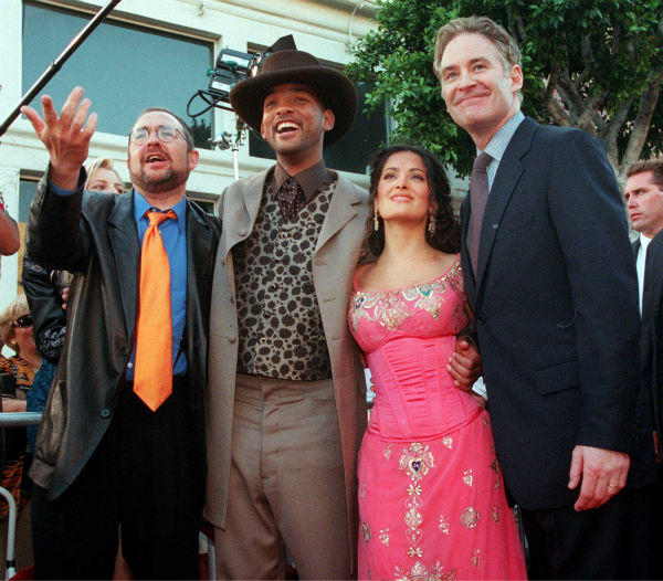 "<div class=""meta ""><span class=""caption-text "">'Wild Wild West' director Barry Sonnenfeld, left, poses with cast members, from left, Will Smith, Salma Hayek and Kevin Kline at the world premiere of the film in the Westwood section of Los Angeles on June 28, 1999. (AP Photo / Chris Pizzello)</span></div>"
