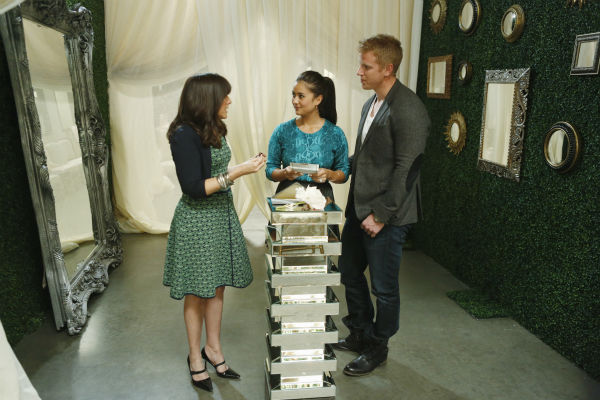 &#39;The Bachelor&#39; season 17 star Sean Lowe and Catherine Giudici talk to celebrity wedding consultant Mindy Weiss before their wedding, which aired live on TV as part of ABC&#39;s &#39;The Bachelor: Sean and Catherine&#39;s Wedding&#39; special on Jan. 26, 2014. <span class=meta>(ABC Photo &#47; Greg Zabilski)</span>