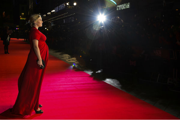 Kate Winslet walks the red carpet at the premiere of 'Labor Day' in London on Oct. 14, 2013.
