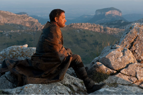 "<div class=""meta ""><span class=""caption-text "">Tom Hanks appears as Zachry in a scene from the 2012 movie 'Cloud Atlas.' (Jay Maidment / Warner Bros. Pictures)</span></div>"