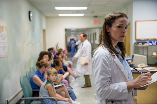 Jennifer Garner stars as Dr. Eve Saks in Jean-Marc Vallee&#39;s 2013 fact-based drama film, &#39;Dallas Buyers Club,&#39; a Focus Features release. The movie stars Matthew McConaughey and Jared Leto as AIDS patients. <span class=meta>(Anne Marie Fox &#47; Focus Features)</span>