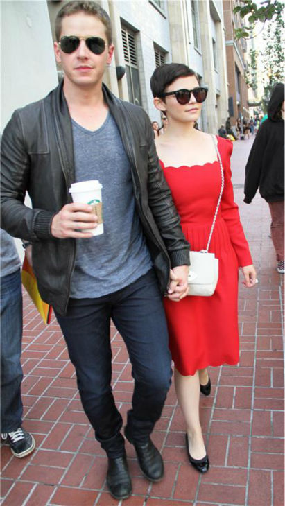 &#39;Once Upon A Time&#39; stars Ginnifer Goodwin and boyfriend Josh Dallas appear outside the Hard Rock Cafe during Comic-Con San Diego in San Diego, California on July 14, 2012. <span class=meta>(Charlie Luciano &#47; Startraksphoto.com)</span>